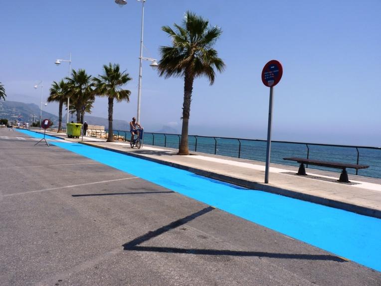 carrer San Pere que ya es de sentido único para los coches...