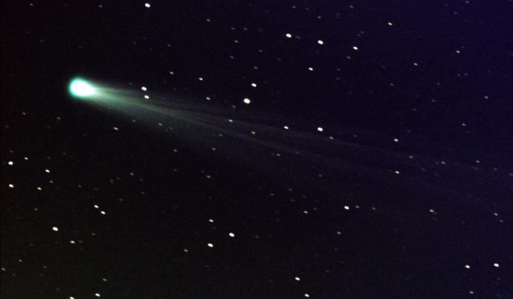 Comet ISON streaks toward the Sun