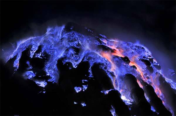 volcan-bleu