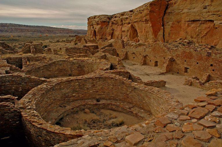 1280px-Chaco_Culture_Chetro_Ketl_CTAYLOR